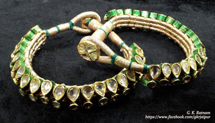 Kundan pochi with green meenakari to adorn your bridal mehndi filled hand | Bangles | Bracelets | Kundan Meena Jewelry | Bridal Jewelry | Traditional Indian Jewelry | Wedding Jewelry