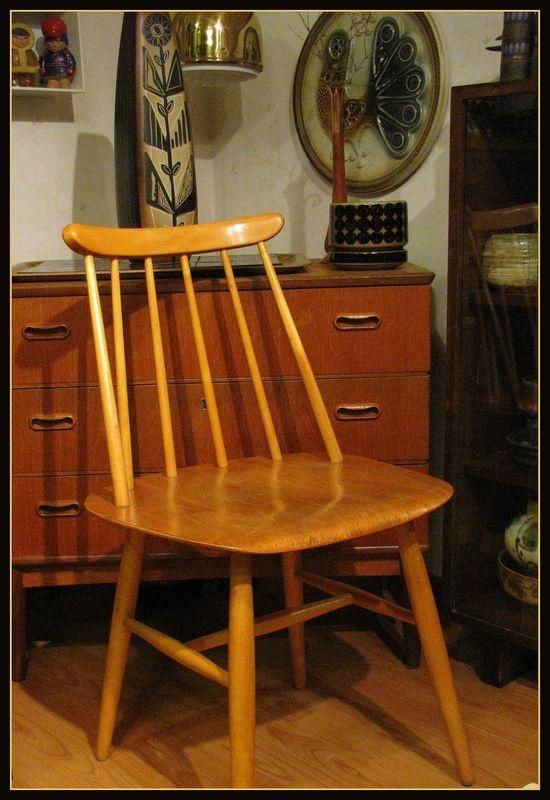 Fanett T55 chair, designed by Ilmari Tapiovaara. http://www.fourseasons.fi/epages/fourseasons.sf/fi_FI/?ObjectPath=/Shops/20130123-11092-184014-1/Products/1261