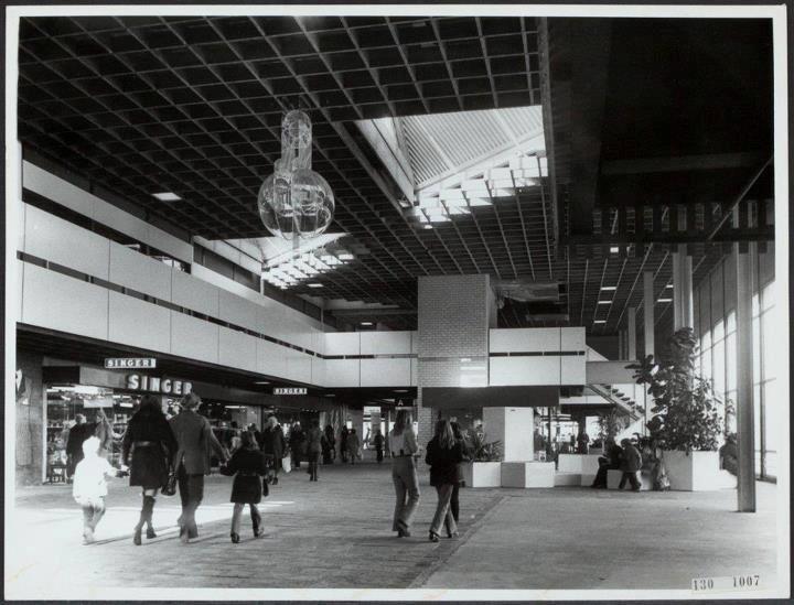 Oma woonde vlakbij het zuidplein dus lekker vaak shoppen for Bios rotterdam