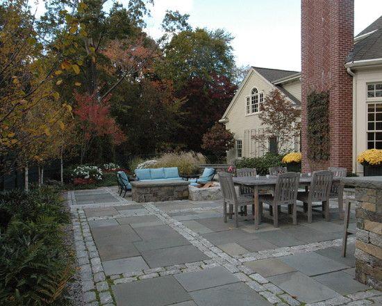 Betonplatten Pflastersteine Terrasse Bodenbelag Holz-Möbel