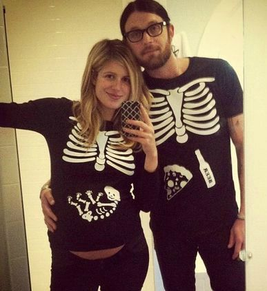 10 cute halloween maternity costumes - Pregnant Halloween Couples Costumes