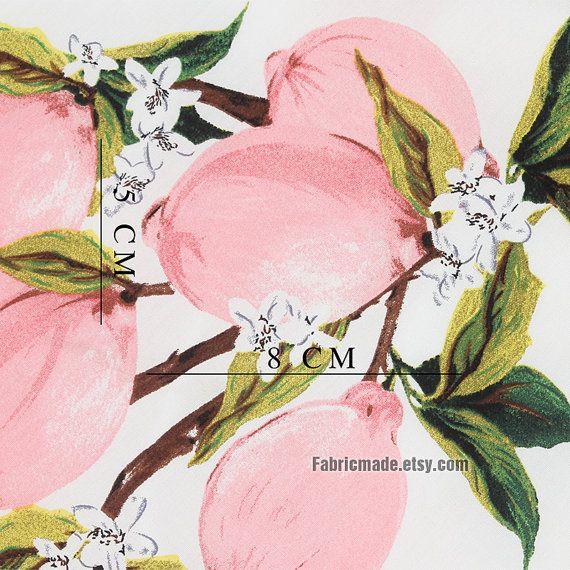 Deze stof is een katoenen stof, mooie roze citroen, uit de witte achtergrond.   * De katoenweefsel: licht roze citroen platbinding, een beetje licht van gewicht, 160g/werf. * Lengte van citroen: 8cm/3  * Breedte 55 inch (140cm), voor 18 X 55 (45 cm x 140 cm) vermeld. Wenst u een werf, zal ik het schip van 90 cmX140cm. * Extra yardage zal worden gesneden in een ononderbroken stuk * Pak voor naaien crafting, home decor, kleding, tas, kleding, naaien crafting decor   Ik kan de scheepva...