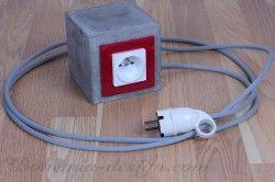 Prodlužovací kabel s betonovou koncovkou