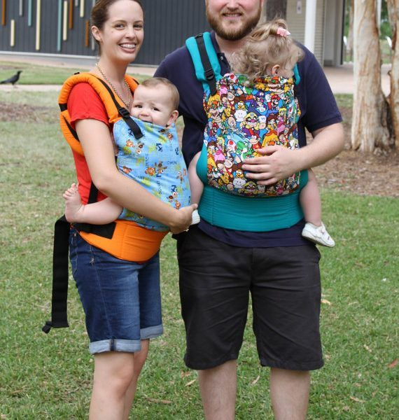 Sew your very own baby carrier, pattern has clear instructions with loads of photos and 2 size options.