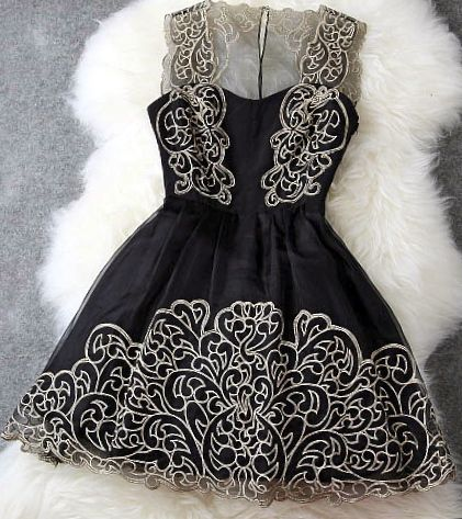 Black Lace Dress, beautifullll dress but way to short for family party