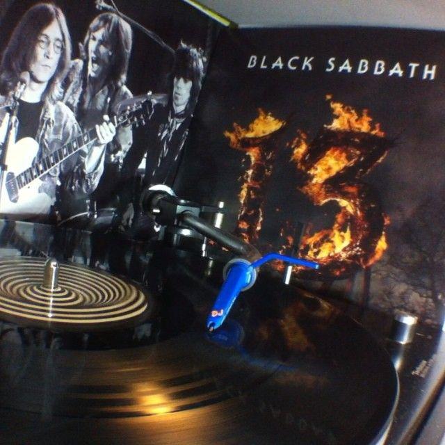 FUCK THE WORLD!!! #blacksabbath @blacksabbath #nowspinning #vinyl #vinyls #vinyljunkie #vinyloftheday #recordcollection #vinylcollector #vinylcollection #technics