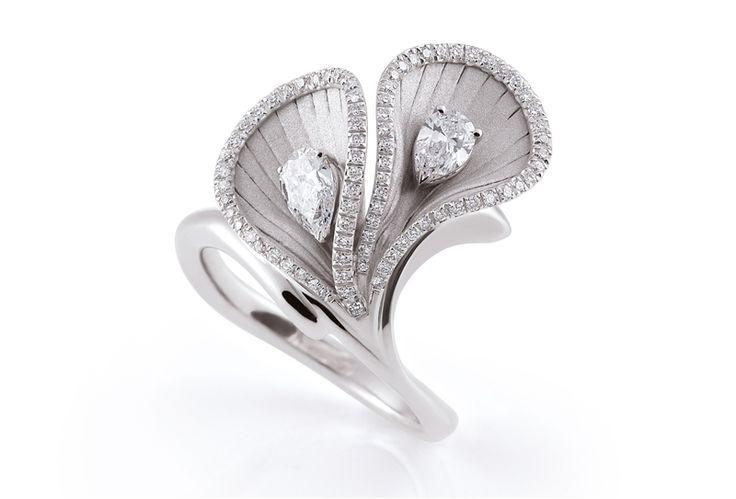 Annamaria Camilli Premiere collection diamond flower ring