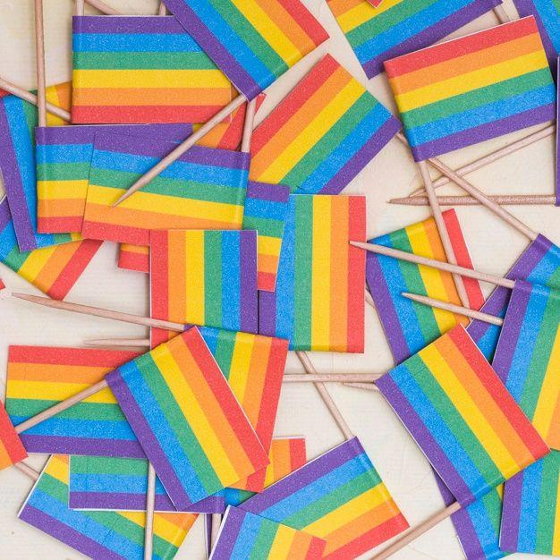 Wallpaper Tumblrs, Wallpaper Memes, Wallpapers, Lgbt Flag, Lgbt Memes, Gay Aesthetic, Rainbow Wallpaper, Rainbow Aesthetic, Lesbian Pride