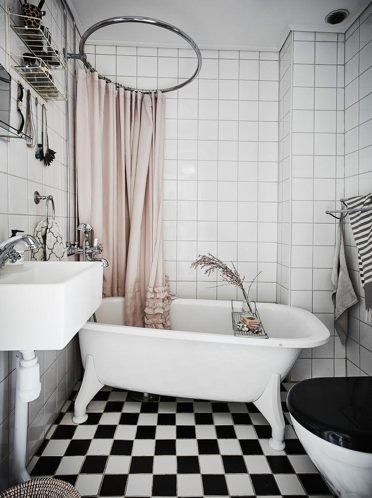 badrum_inspiration_schackrutigt-romantiskt_annacate_photo-anders-bergstedt_badrumsdrommar_1