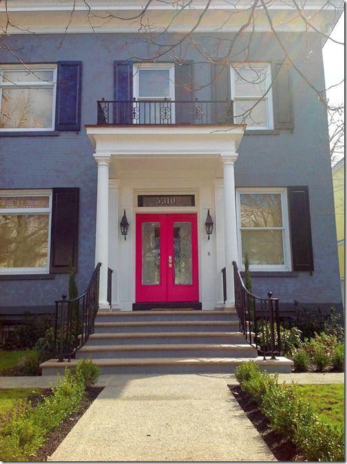 12 best images about fachadas pintadas com muita cor on - Fachadas de casas pintadas ...