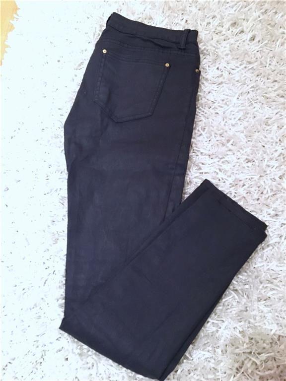 Mörblåa byxor från Zara med lätt vaxad/glansig effekt strl 38 - 49 kr