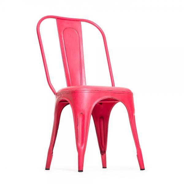 Vintage henkinen metallituoli, punainen. Toimii sekä sisä että ulkotiloissa! Omat tuolit voit tilata tästä: http://www.verkkokauppa.aadesign.fi/tuotteet/columbia-iron-chair-red