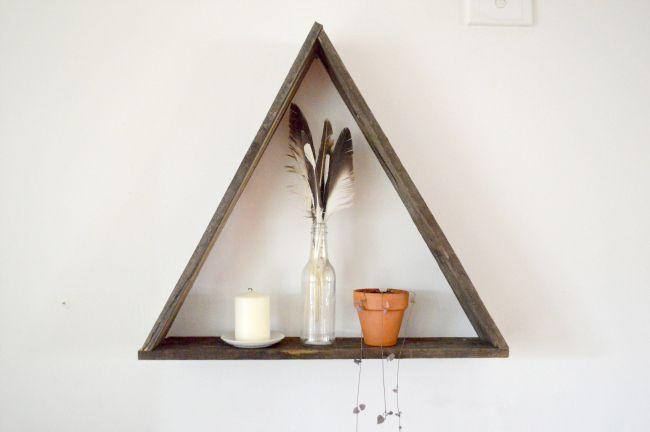 Rustic Triangle Shelf DIY