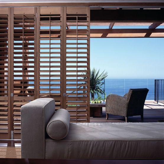 volets int rieurs panneaux coulissants en 2019 les. Black Bedroom Furniture Sets. Home Design Ideas