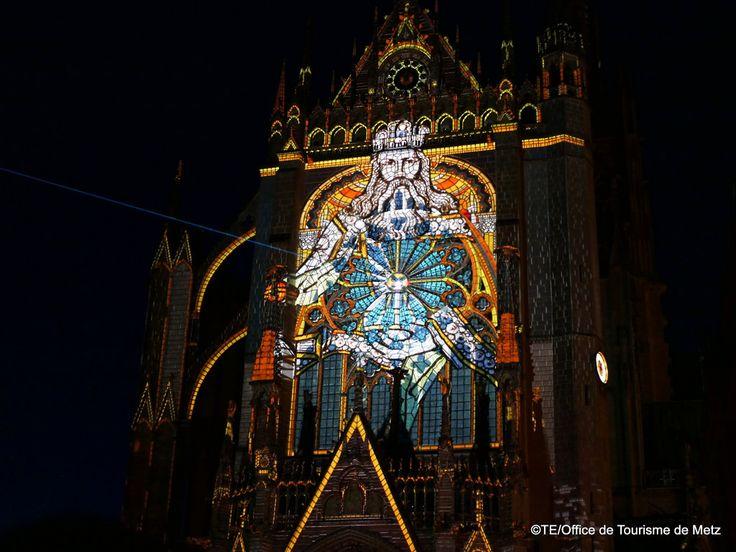Lux animae_Ezekiel_Constellations 17©TE_Office de Tourisme de Metz (88) Mapping projeté sur la façade occidentale de la Cathédrale Saint Etienne.  Constellations 2017   Pour en savoir plus sur le programme estival :