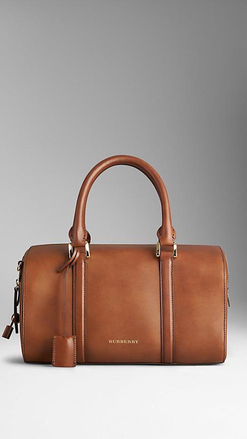 Bolso Alchester mediano en elegante piel | Burberry