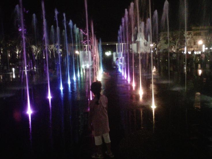 Espectacular vista de las Fuentes de agua danzantes de Plaza de Armas, Villahermosa Centro Tabasco