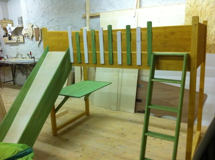 die besten 25 rausfallschutz kinderbett ideen auf pinterest kinderbett rausfallschutz ikea. Black Bedroom Furniture Sets. Home Design Ideas