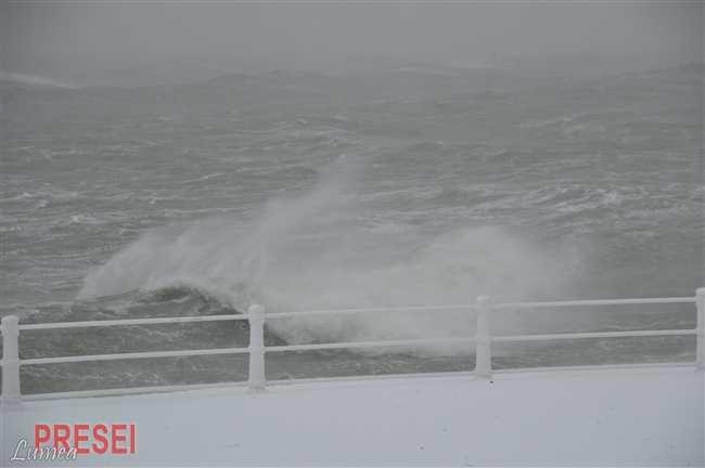 ANM a emis o atentionare Cod galben de intensificări ale vântului valabilă în judetele Constanta si Tulcea pe durata următoarelor ore
