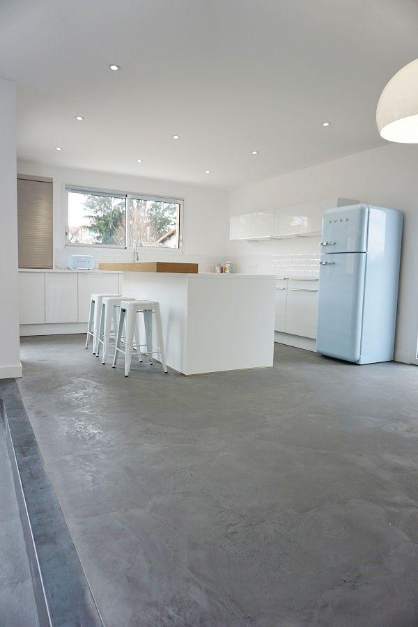 cuisine de  maison contemporaine à étage