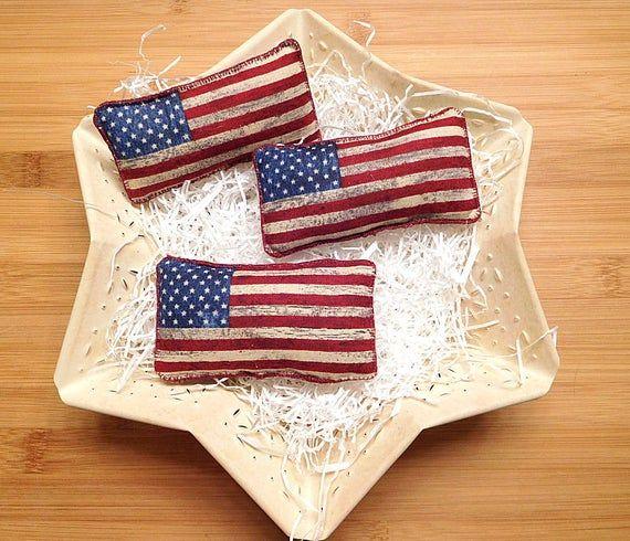 Patriotic Americana Flag Primitive Pillow Tucks Red Etsy In 2020 Primitive Pillows Pillows Bowl Fillers
