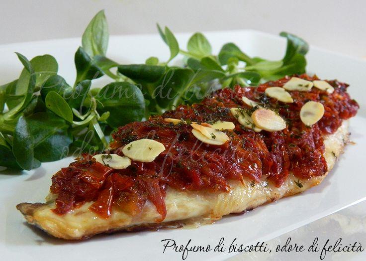 Prepariamo insieme il filetto di spigola ai pomodori secchi, tenero e gustoso: una scoperta!