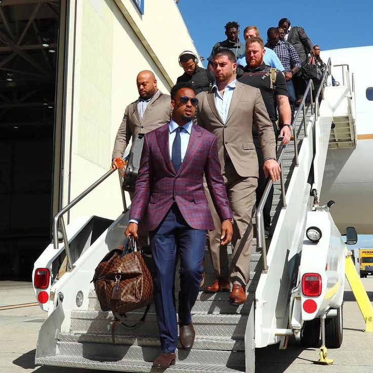 DJ looking sharp as the Chiefs arrive for the game against the Chargers today. 9-24-17