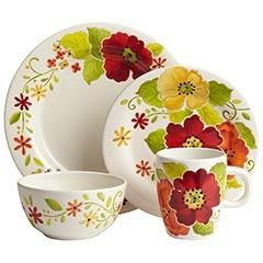 I love these...but with three males in my house, the chances of me having flowery dinnerware are slim.