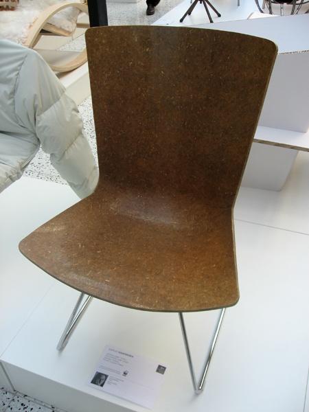 Biohajoava tuoli, design Samuli Naamanka.