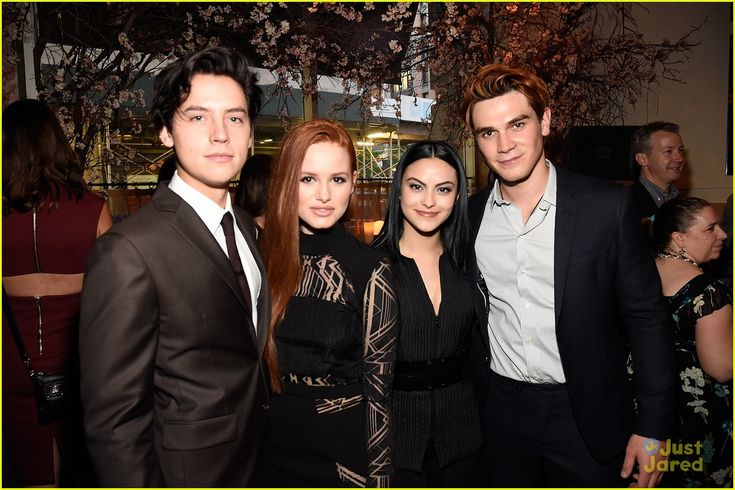 Cole Sprouse Celebrates Cw S Upfronts With Danielle