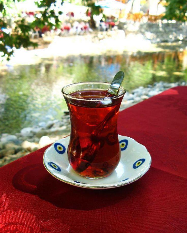'' Çay ; yoksulların, şairlerin ve yalnızların resmi içeceğidir..!