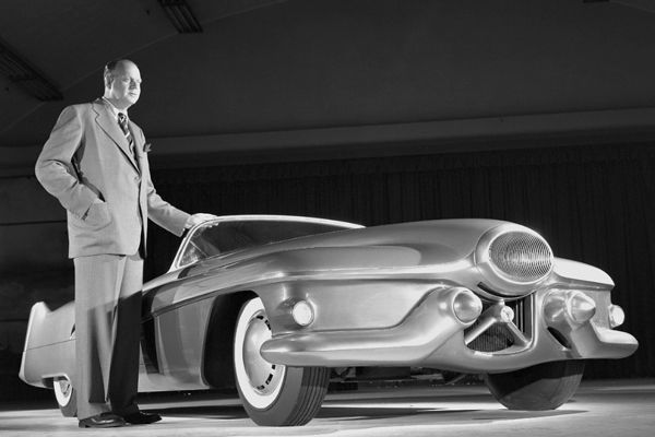 25 best streamline 1930 1960 images on pinterest kitchens alarm 1951 gm le sabre indisputably the most famous and influential concept car of the 1950s fandeluxe Choice Image