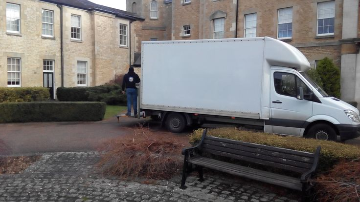 Oxford Man and Van, Affordable Man and Van Services Oxford / Man and Van Hire Oxford, Man and Van removals is one of the most cost-effective methods of removals. For budget movers, our Man and Van service is suitable if you need to move a 1 or 2 bedroom property within the Oxford and surrounding area.