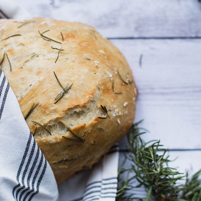 This No-Knead, 5-Ingredient Artisanal Bread Is Super Easy to Bake