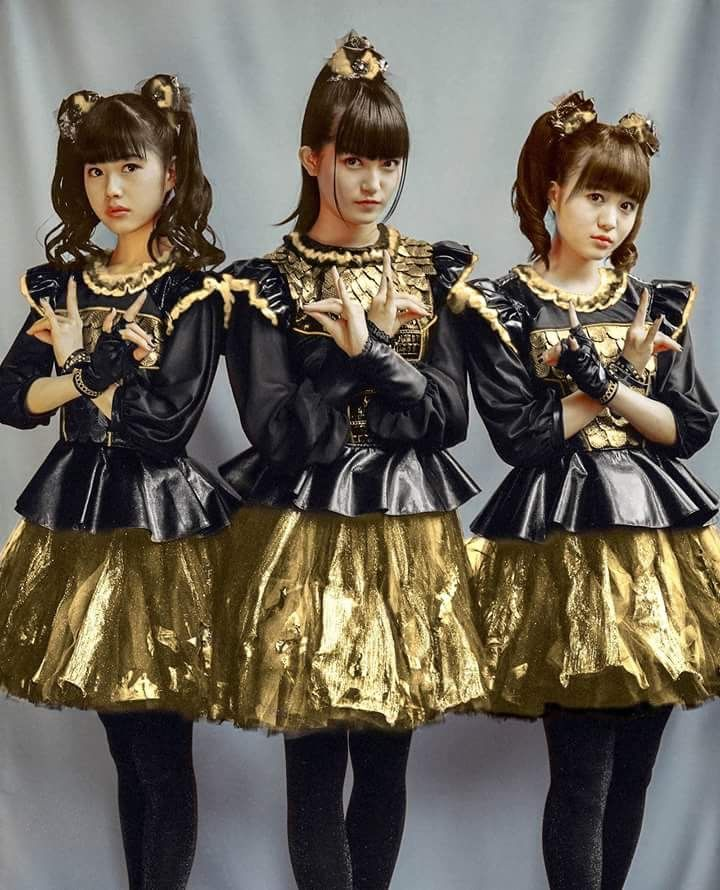 Babymetal in gold