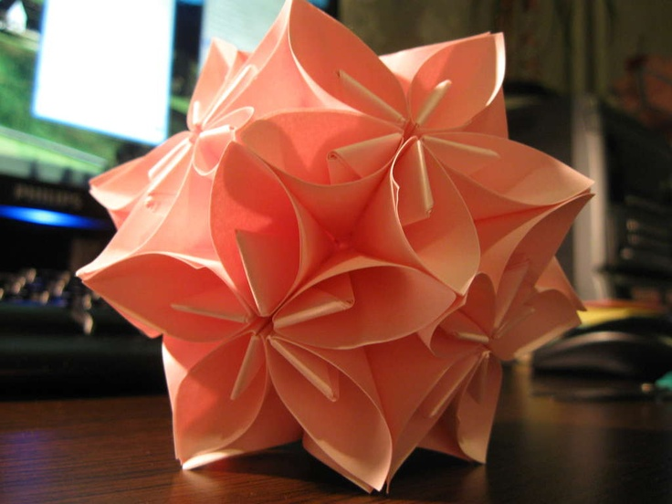 Origami flower ball: Flower Origami, Flower Ball, Crafts Ideas, Origami Paper, Paper Flowers, Posts It, Origami Ball, Diy Projects, Origami Flowers