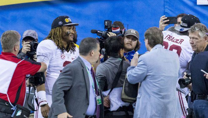 Alabama-Clemson: Dad of Tide player said new offense 'more beneficial to Jalen Hurts'