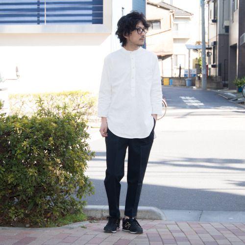 春らしさ感じるリネンコットンのナチュラルな素材感のプルオーバータイプの7分袖シャツでのスナップ! [AUD1739] http://www.aud-inc.com/product/2332 その素材感を活かす様な、ややゆったりめのリラックスシルエット。 それでいてルーズな感は無く着用出来、裾のラインも特徴的な大人のシャツとなっています。  Coordinate Bottoms [AUD3331] http://www.aud-inc.com/product/2243