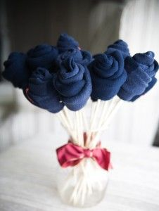 Una forma original de mostrar los souvenirs para casamiento originales #weddings #bodas: Gifts Ideas, Men Gifts, Guys Gifts, Husband Gifts, Socks Bouquets, Flower, Birthday Gifts, Baby Shower