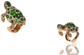 Turtle ring in rose gold 18Kt with tsavorite and pave' of natural white diamonds
