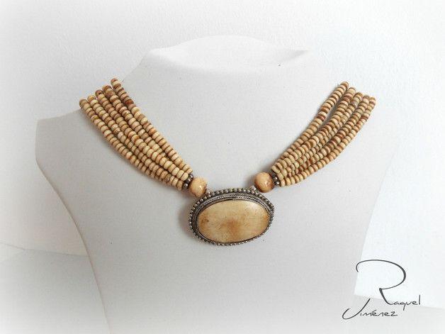 Collares de cuentas - Collar de Asta - hecho a mano por raqueljimenezbisuteria en DaWanda