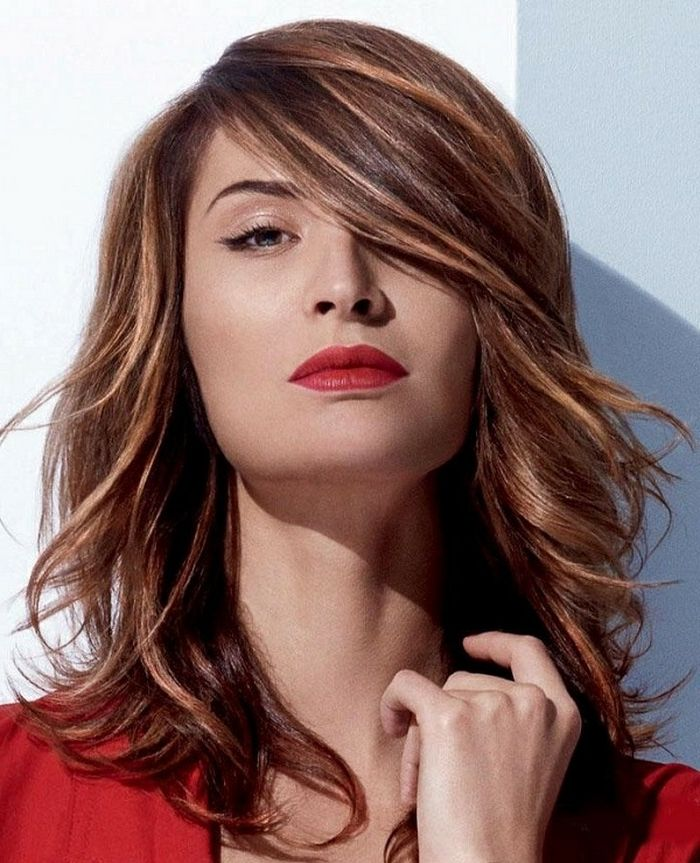 Herbst frisuren roter lippenstift