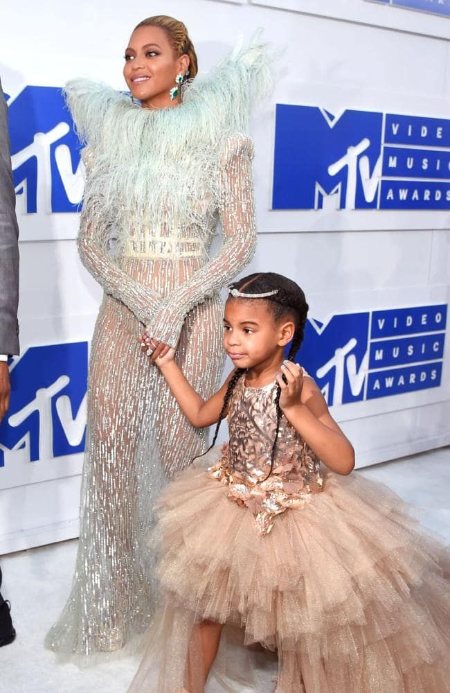 Beyonce And Her Daughter Blue Ivy Picture Larry Busacca Godmother Dress Classy Dress Long Sleeve Dress Outfit