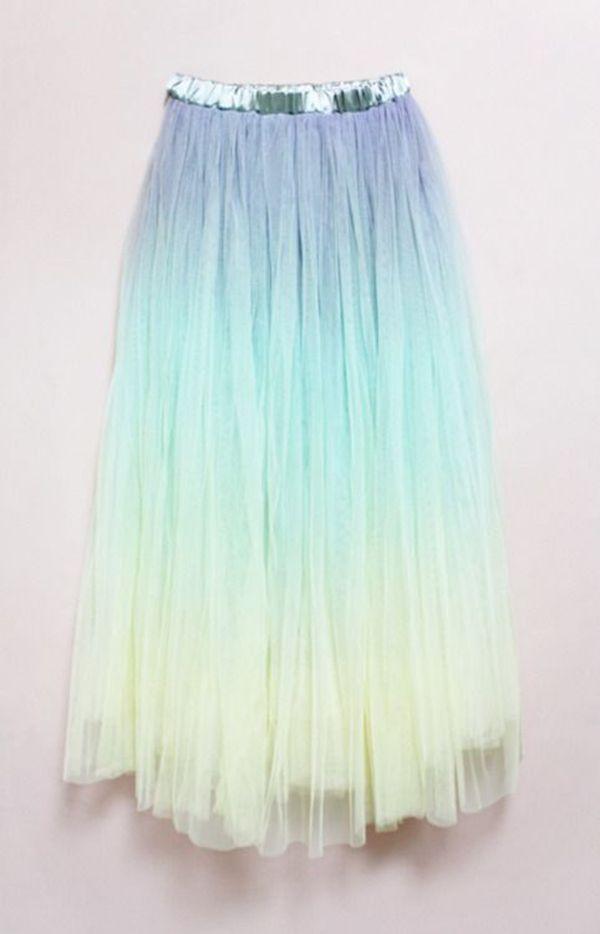 Dicas pra você montar uma fantasia de sereia do cabelo à roupa lá no blog! Fácil, lindo e claro, preparando tudo pra ahazar no Carnaval! :) Espia: