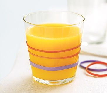 Juice glass with rubber bands