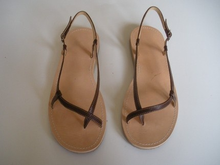 tuto | handmade sandals. I love these. So simple yes so beautiful.