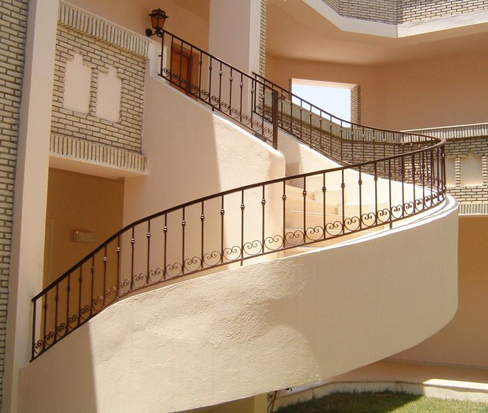 31 best images about escaliers on pinterest villas for Garde corps escalier
