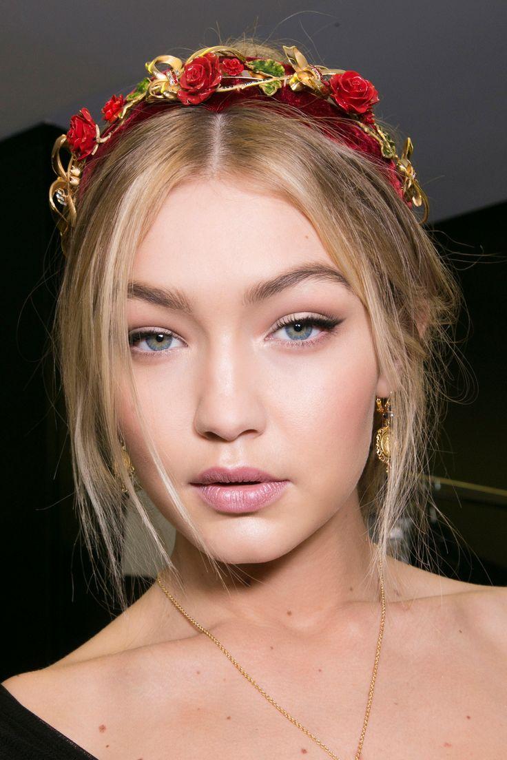 Runway Holiday Beauty Ideas – Fashion Week Hair and Makeup Inspiration | Teen Vo…
