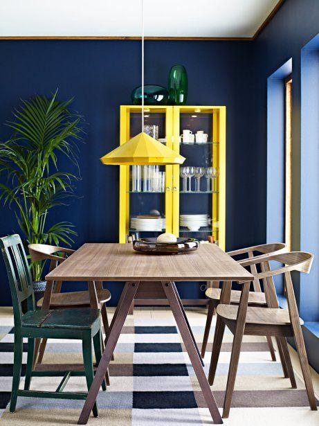 Chaque année, le catalogue IKEA apporte son lot d'idées et met l'accent sur certains courants déco du moment. Celui de 2014 ose les aménagements hétéroclites, inachevés, les mélanges disparates et les ambiances enjouées. Le tout relevé de meubles et d'accessoires aux couleurs «punchées».