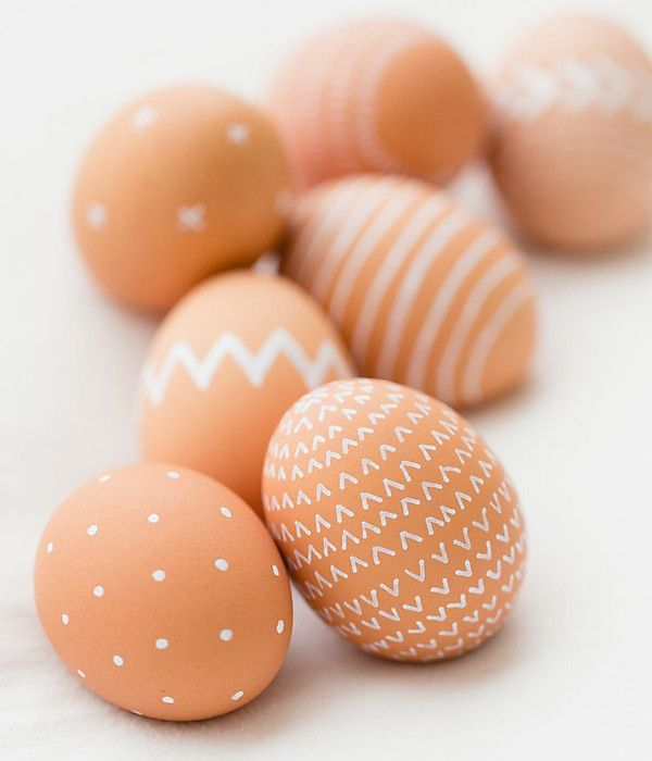 For a more minimalist approach to the ubiquitous dyed Easter eggs, we'll be taking a white (nontoxic) pen to organic brown eggs. We just love the pared-down approach!